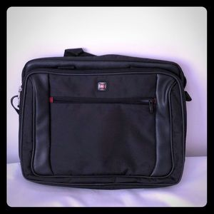 Swiss padded laptop carrier briefcase